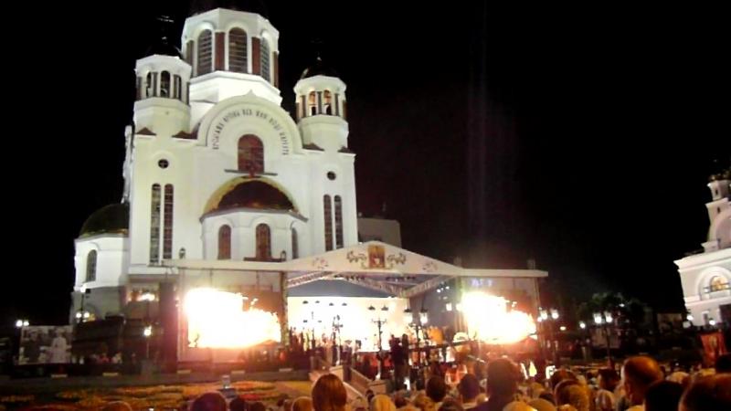 Ночная служба в Екатеринбурге в Храме на Крови 16-17.07.2018