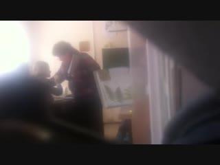 В Тольятти преподаватель била по лицу пятиклассницу
