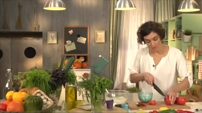 Омлет-суфле, фаршированные помидоры, итальянский хлеб с травами | Детское меню