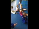 Учимся держать уголок, укрепляем пресс.💪 Тренировки по самбо и дзюдо для детей в Гомеле.