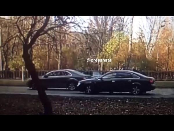 Разбойное нападение на Ставропольской улице в Москве.Меньше чем за минуту они обогатились на $59000 » Freewka.com - Смотреть онлайн в хорощем качестве