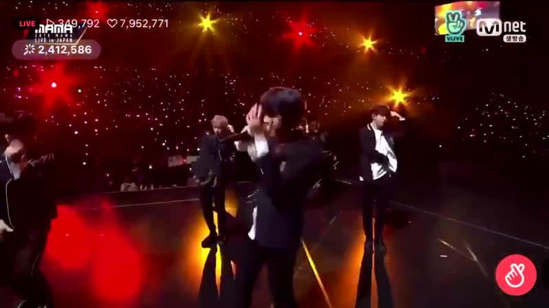 2018 MAMA in Japan - Stray Kids performing EXO Overdose Growl