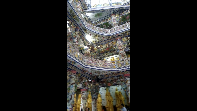 Далат, храм Linh Phuoc2
