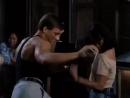 Знаменитый танец Ван Дама 😊