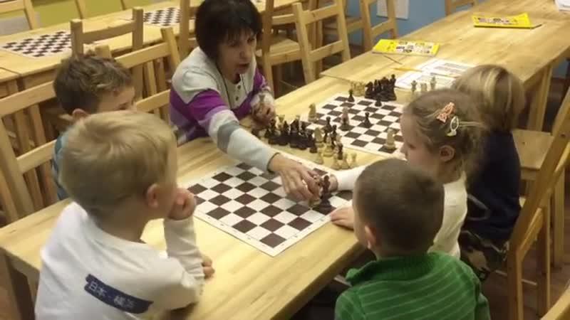 Сегодня, наши самые юные шахматисты, учились ставить мат ферзём! Если вы научитесь ставить мат ферзем, то сможете выигрывать пар