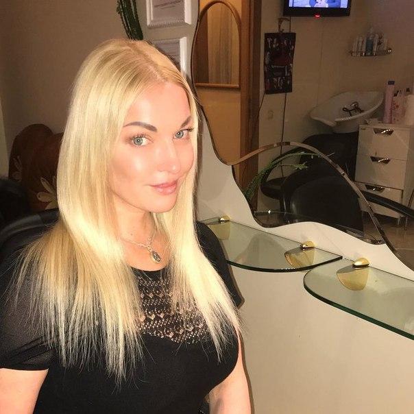 Анастасия Волочкова сменила имидж и помолодела