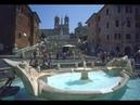 Roma Piazza di Spagna Trinità dei Monti fontana Barcaccia di Bernini (1/3) videomix