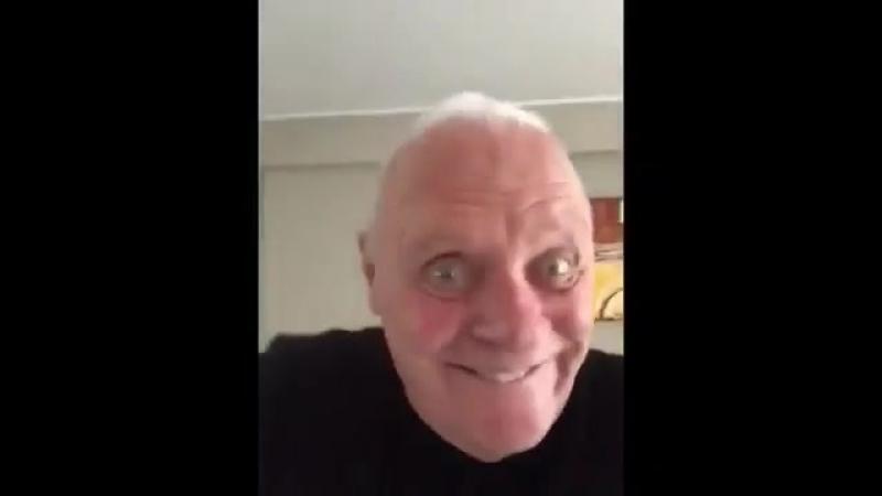 Энтони Хопкинс снял достаточно странное видео о том, что случается, когда много работаешь