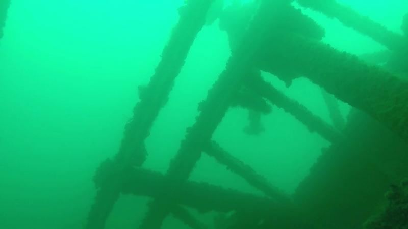 Затонувший корабль у побережья Фороса.