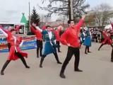 Танец русский против лезгинки ! Лучшее видео ! Русские и кавказцы - БРАТСКИЕ народы!