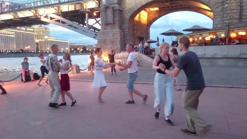 Самба Open air Бальные танцы в Парке Горького Москва август 2018