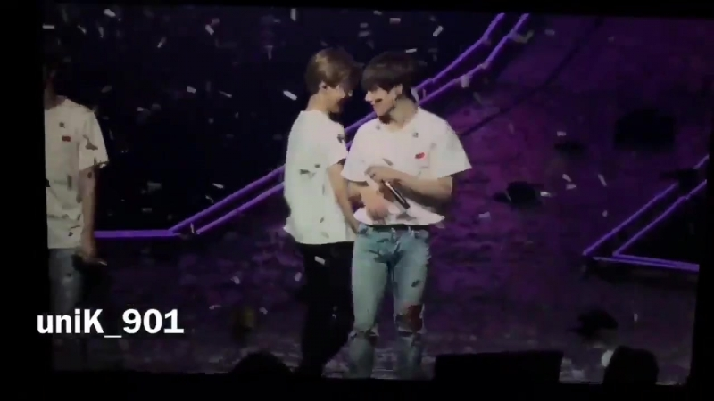 Another crumb grab your forks jikooknation httpst.co_WF0oGMdead ( 720 X 1280 ).mp4