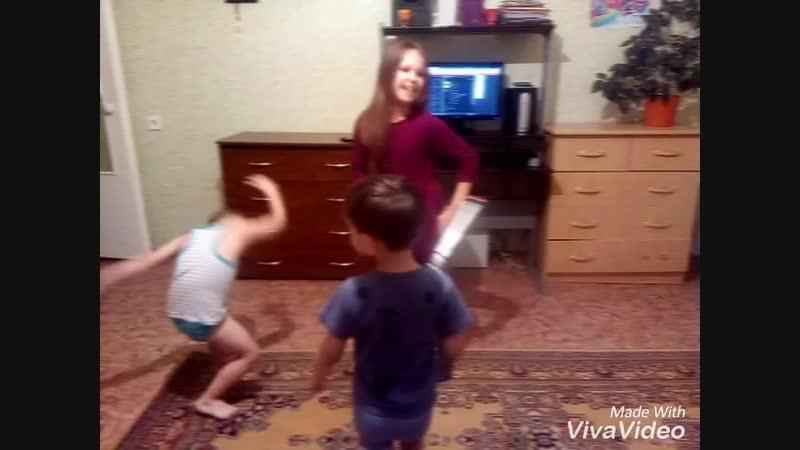 Выступление Леры Лёвы и Степашки