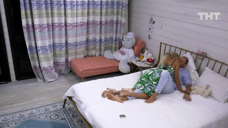 Дом-2: Леночка соблазняет Сороку