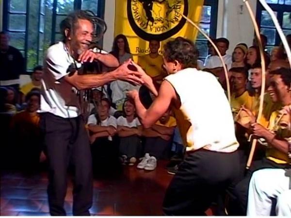 Mestre Neco Pelourinho (So Angola) e Mestre Rogerio (Angola Dobrada)