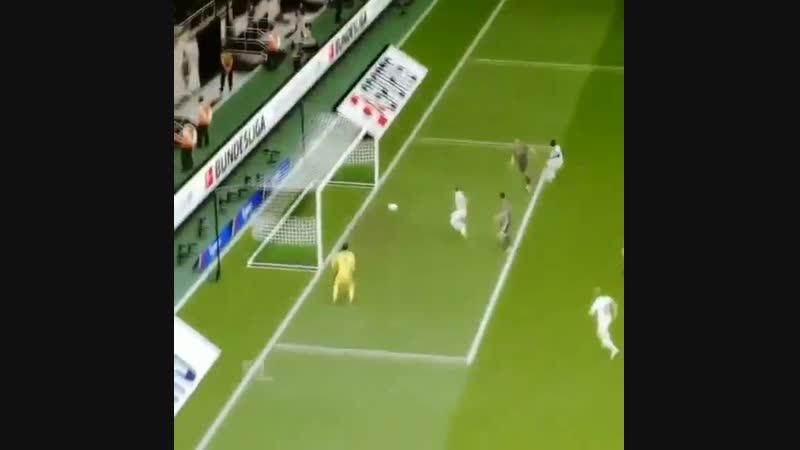 FIFA 19 продолжает радовать