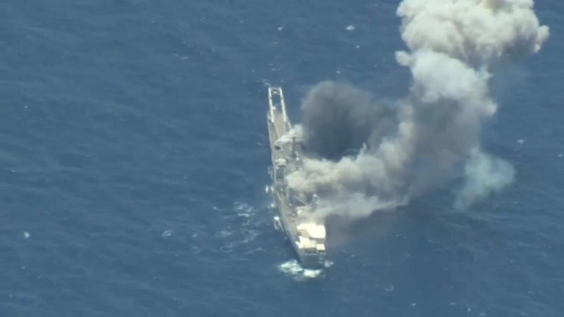 США, Япония и Австралия разбомбили корабль в Тихом океане в ходе июльских учений RIMPAC