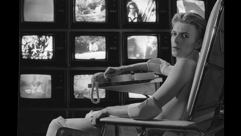 Человек, который упал на Землю / The Man Who Fell to Earth (1976) Режиссер: Николас Роуг / Дэвид Боуи