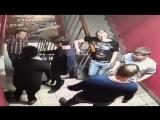 Пьяная баба и слабые нервы полицейского