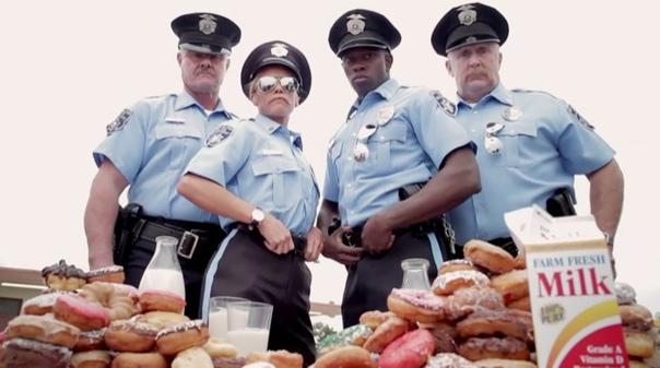 Сгоревший грузовик с пончиками заставил заплакать полицейских