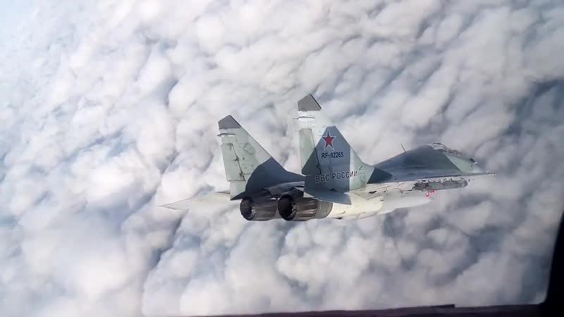 Петля Нестерова в составе пары МиГ-29