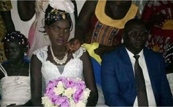 17-летнюю девушку продали замуж за 530 коров, 3 Land Cruiser и $10000, устроив аукцион на Facebook В Южном Судане, где идет гражданская война и большая часть населения голодает, девочек (даже