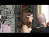 Лили направляется на модный показ Miu Miu в Париже (30/06/18)