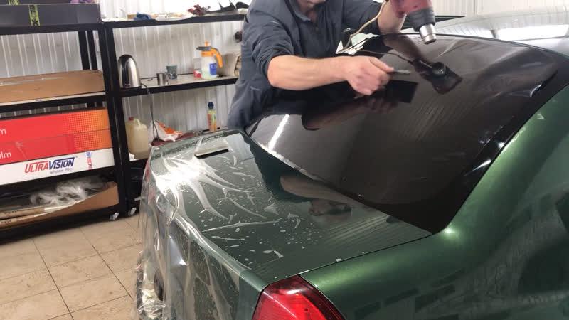 Формовка заднего стекла Рено симбол