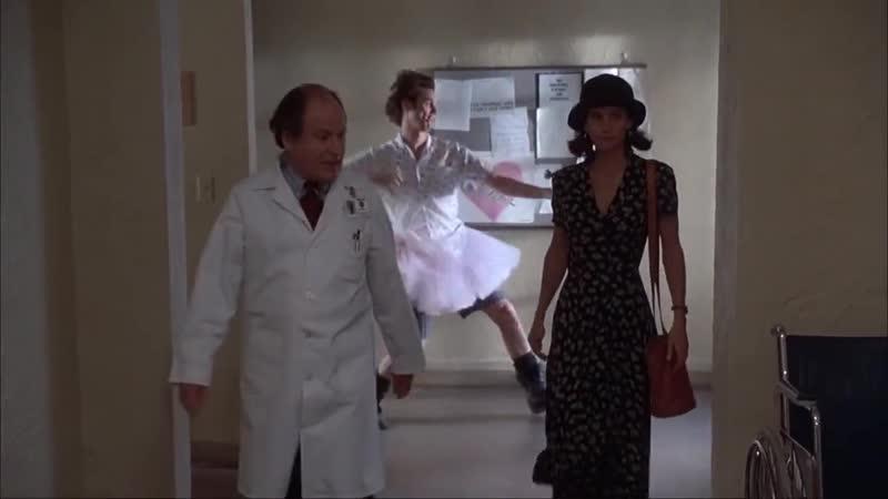 Ace Ventura - Готов войти в игру,тренер...Дайте мне шанс! (1994)