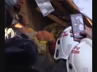 Под завалами жилого дома в Магнитогорске, нашли живым 11-месячного ребенка