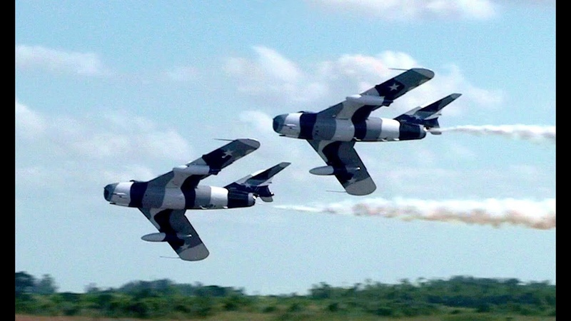 Black Diamond Jet Team - Mikoyan-Gurevich MiG-17 Pair