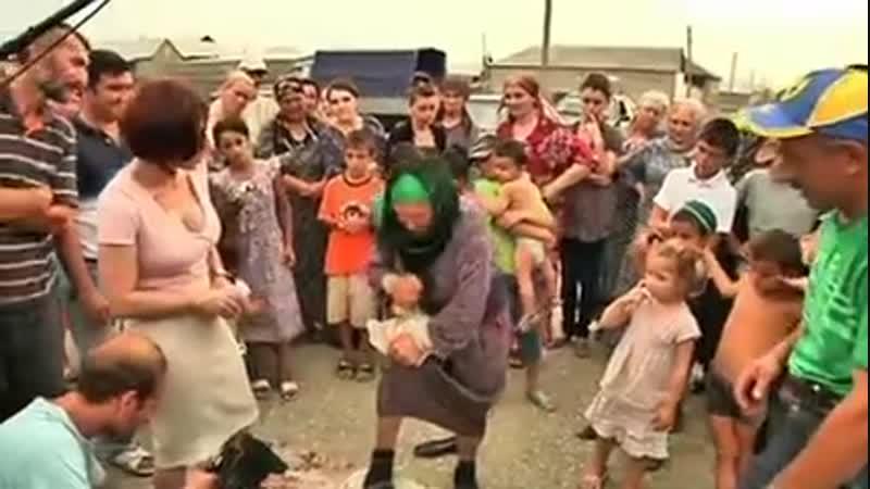 Самая сильная бабушка - бабушка из Дагестана!