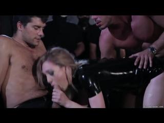 Бедных девочек Lily Labeau и Lily Carter жестко дерут толпой во все дыры не жалея сил порно секс Gangbang hardcore porn sex hard