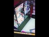 Насмотрятся картинок в ТУД реборн и ходят потом по всяким магазинам.