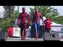 Deadpool & Spiderman lucha a muerte.