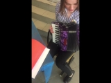 Лиза и любовь к аккордеонам????