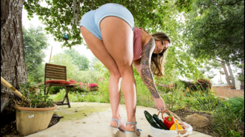 Смотреть Brazzers Порно VK The Cum-Soaked Gardener Karmen Karma Keiran Lee BBLI BBig Butts Like It Big June 19, 2018