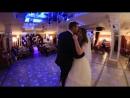 Хочу танцевать с тобой . Я в белом платье, а ты в смокинге Я счастливая, а ты счастливее меня И весь мир принадлежит тол