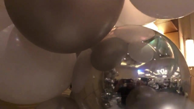 Balloon decor pop