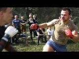 Боксер против бойца MMA в уличных боях без правил Охота за головой