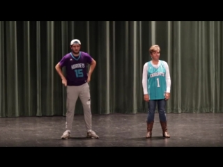 Танцевальный дует мамы с сыном