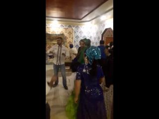 цыгане танцуют на Новый год