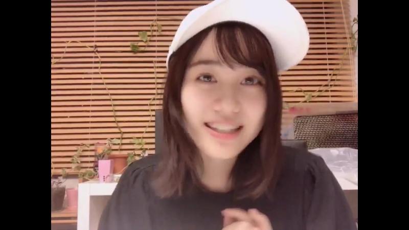 японка гворит на камеру