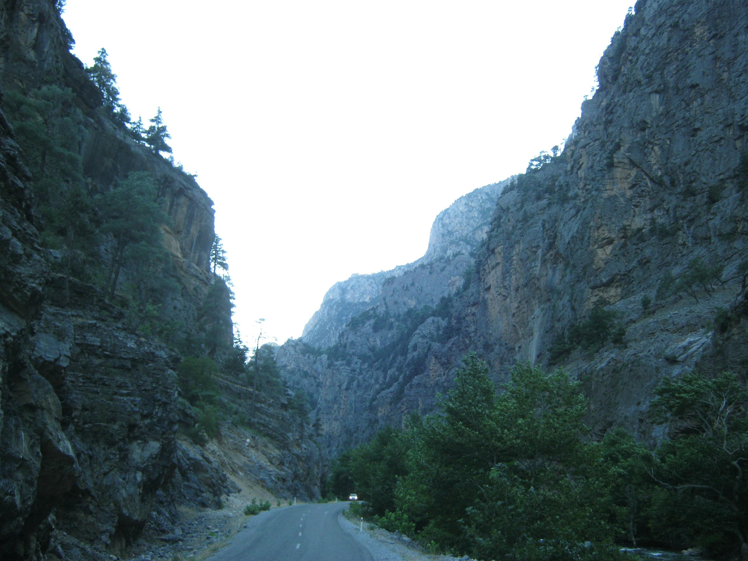 Дорога к водопадам Капузбаши