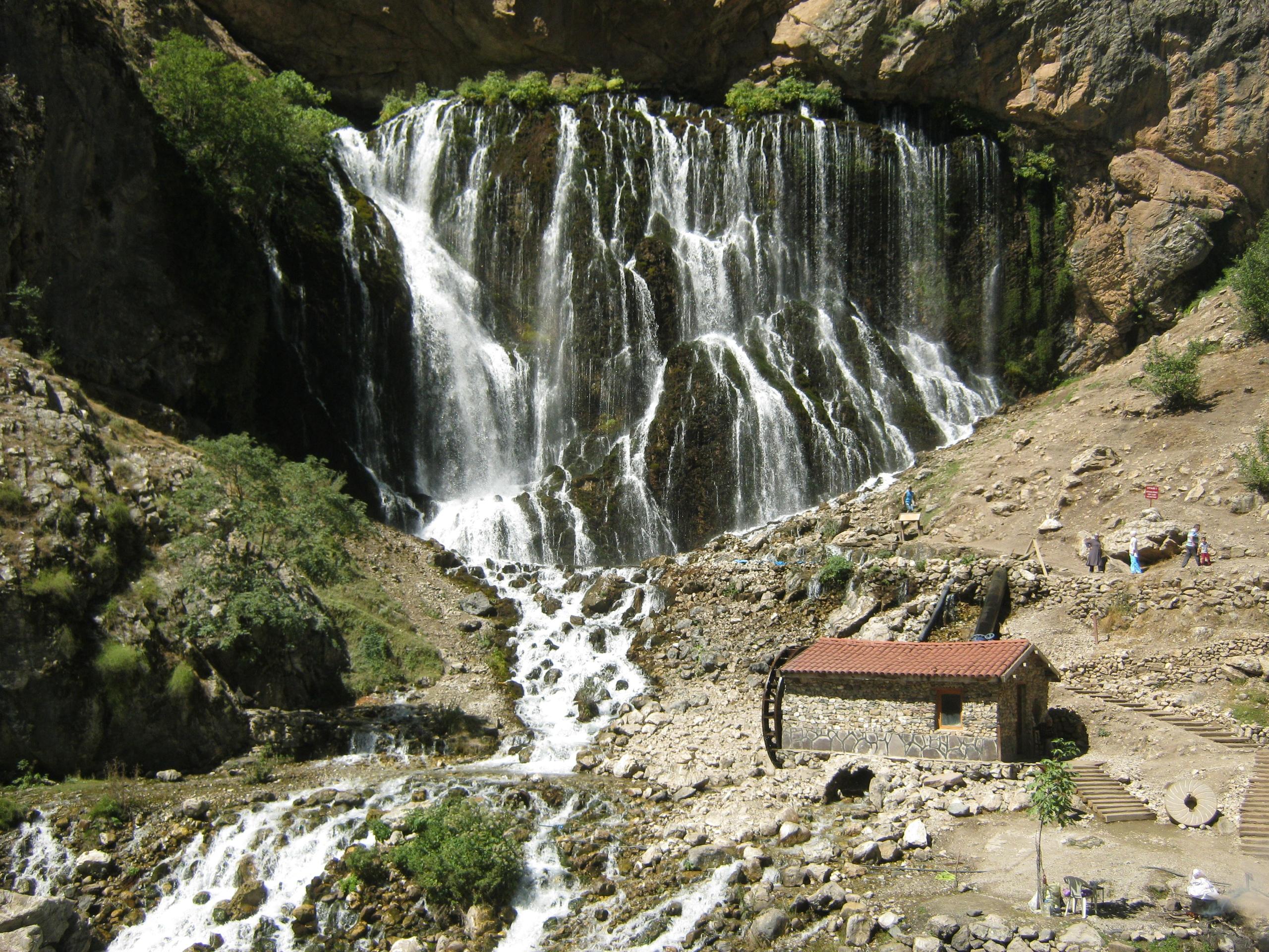 Водопады Капузбаши (их там 5-6 разных)