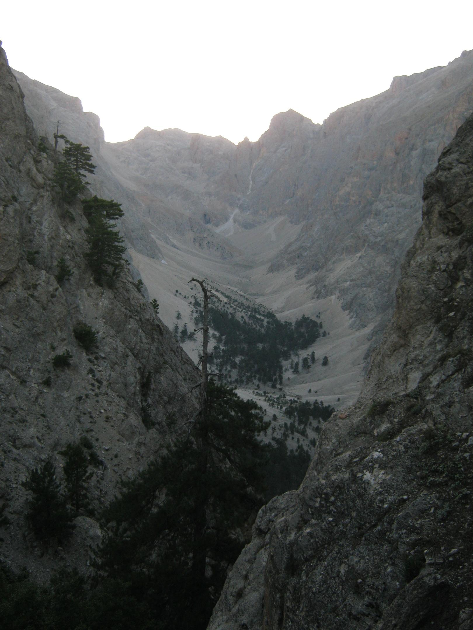 от водопадов Капузбаши на плато Йедигёллер
