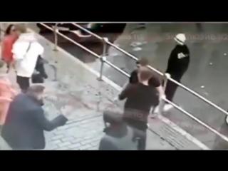 Кокорин и Мамаев избивают водителя ведущей Первого канала.