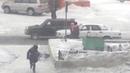 Страшная метель сдувает людей на улице г.Норильск