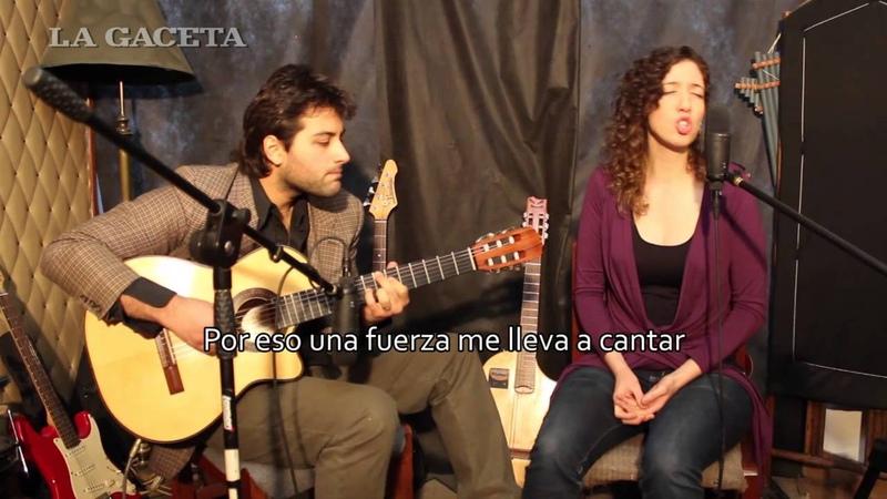 Timna Comedi, canto, y Darío Acosta Teich, guitarra