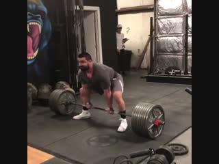 Тренировочная тяга 342,5 кг на 3 повторения от @michael.armendariz